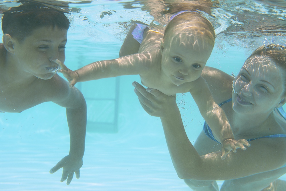 Wallen Swim Schools in Roseville and El Dorado Hills - Family Swim Lessons